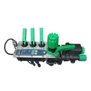 Agricultural fertilizer and pesticide tractor boom sprayer spraying controller